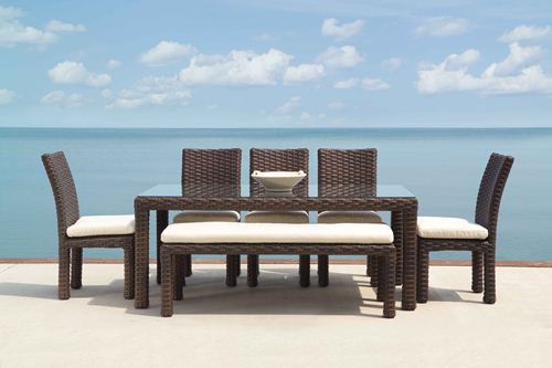 lloyd-flanders-contempo-dining-table