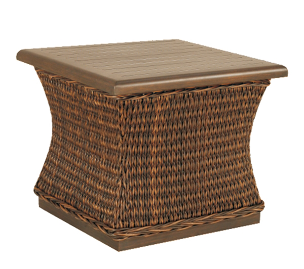 patio-renaissance-monticello-end-table